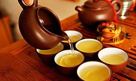 幽默口才训练案例分析:喝茶的好处!
