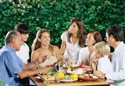 家里来了亲戚,如何陪亲戚聊天?如何寻找聊天话题?
